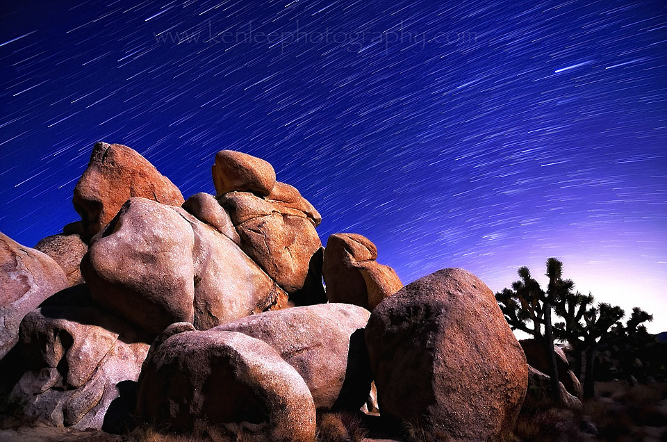 STARTRAILS-hiddenvalleyboulders-colordodge-f28iso20030s35shots-17-5min