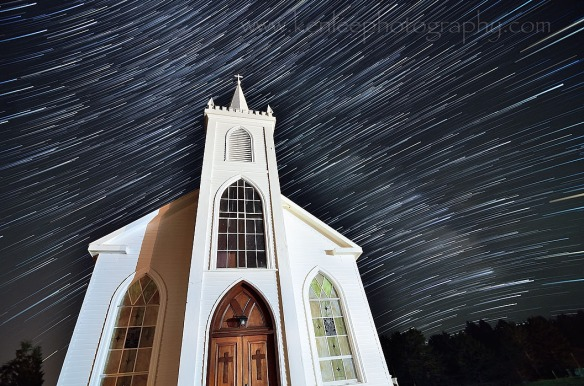 startrails-stteresa-church-700px