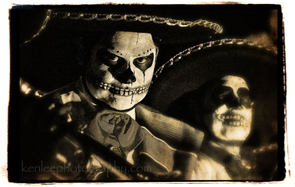4011_kenlee_dayofthedead-mariachis-antique700px