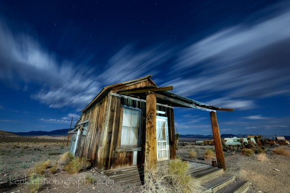 3486-2014-07-14-0000-283sf8iso200-midnightcabin-kenlee_goldpoint-1000px