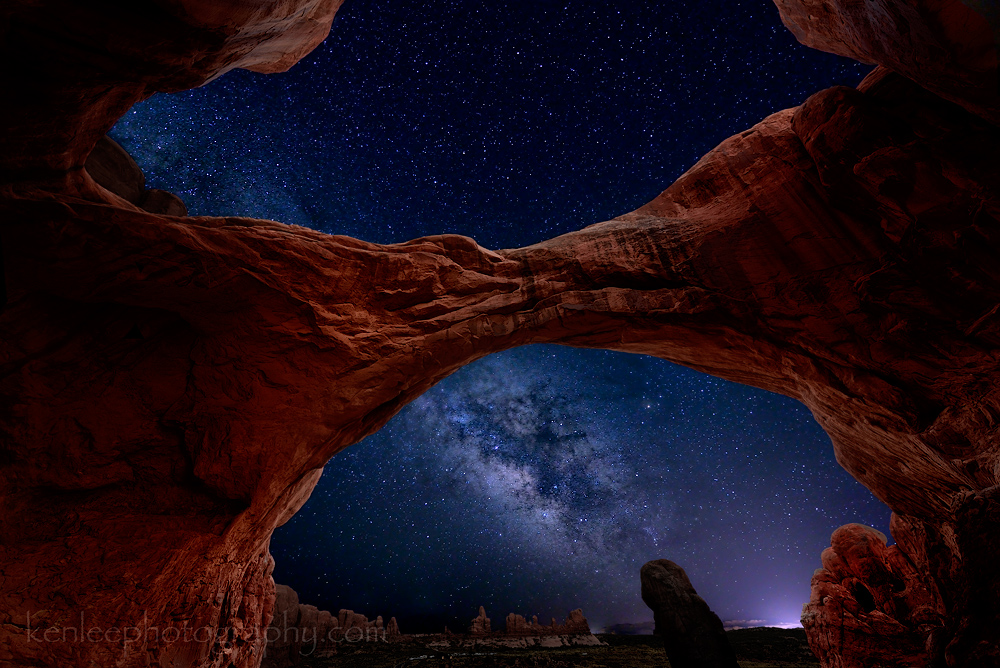 2460kenlee_archesnatpark-doublearchmilkyway-redlightpainted-2014-06-25-1119pm-20sf28iso4000-1000px