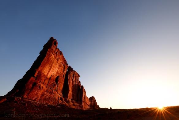 2710kenlee_archesnatpark-surrealrock-sunrise-1000px