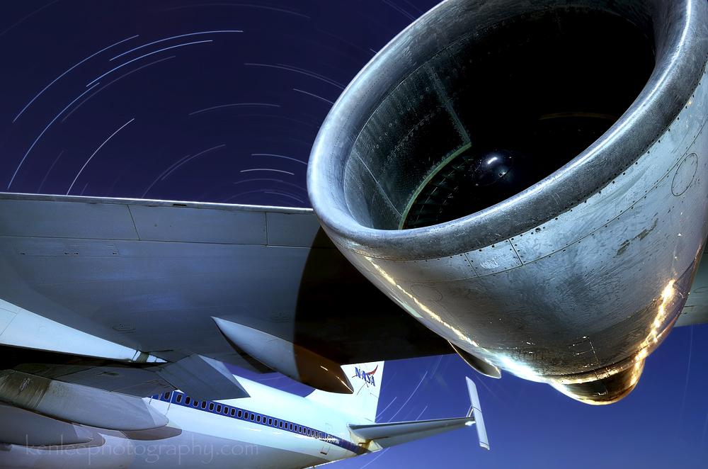 StarStaX__DSC8647kenlee2015-05-02_joedaviesairpark-2hr21mintotal-3mf8iso200-3700-nasashuttlecarrierboeing747-startrails-wing-d7000-1000px