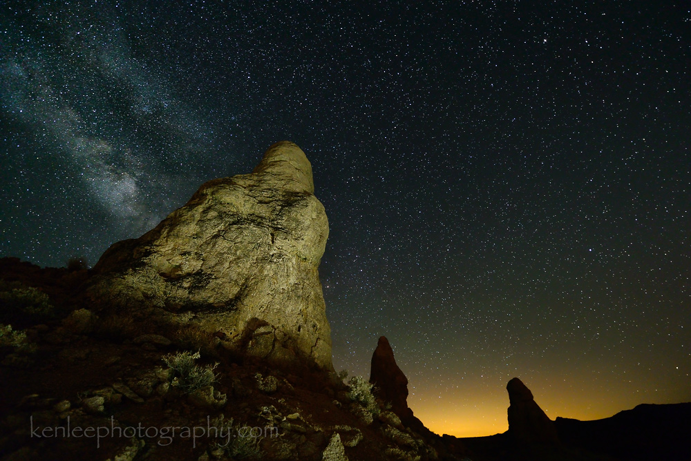 7687kenlee-2015-07-14-2154_tronapinnacles-20sf28iso4000-3700k-lightpainting-1000px