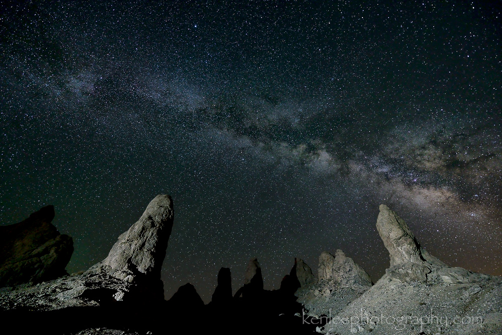 7706kenlee-2015-07_14-2247-tronapinnacles-20sf28iso4000-3700k-lightpainting-1000px