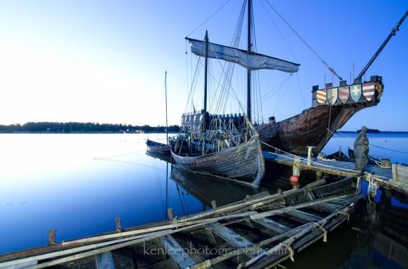 2016-06-11_1534_kenlee_sweden_stockholm_vasteras_frosakers-brygg_viking-village_ships_d7000-1000px