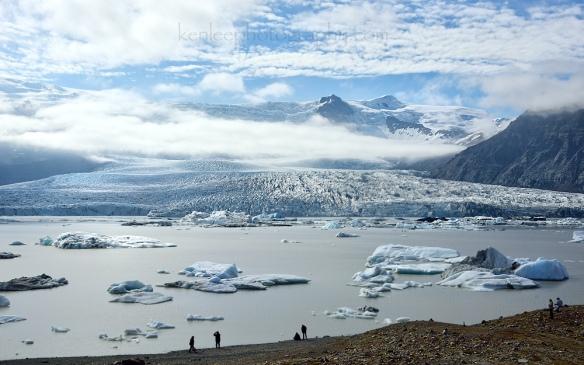 2016-06-23_1713_06_kenlee_iceland_east_fjallsarlon-glacial-lagoon_icebergs_1-640sf11iso100-scene-1000px-crop