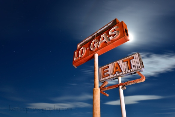 4759_kenlee_2016-10-14_0103_barstow-94sf8iso200-halloransprings-lo-gas-eat-backlit-1000px