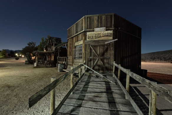 4315kenlee_2016-07-19_0201_joshuatree_pioneertown_night-photo_jack_cass-saloon_128sf8iso200-1000px