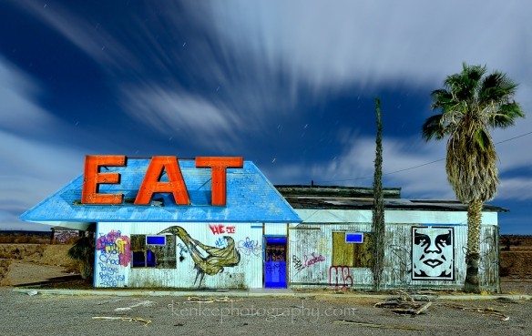 4745_kenlee_2016-10-14_0005_barstow-eatbuilding-halloransprings-162sf8iso200-eat-building-halloransprings-straight-1000px