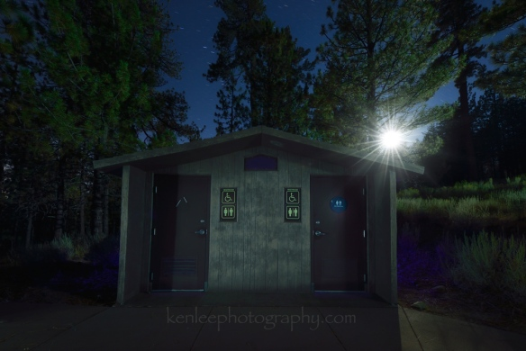 4696_kenlee_2016-09-10_2326_mtpinos_outhouse-moon_168sf63iso500-1000px
