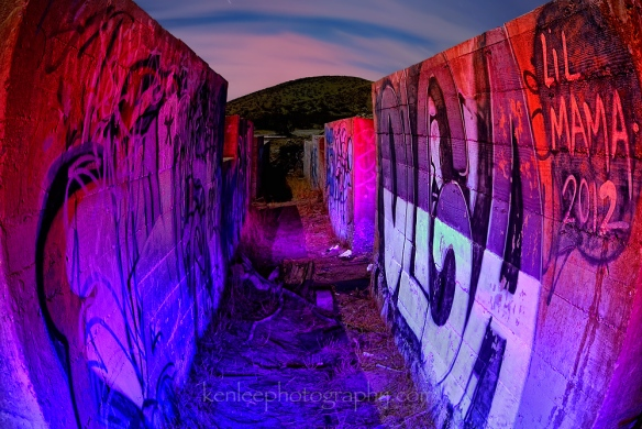 5107_kenlee_2016-11-11_2217_mojave-desert-mine-graffiti-walls_194sf8iso200__light-painting_protomachines-led3-161221-1000px